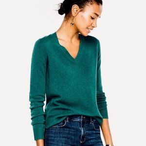 Ann Taylor 100% Cashmere V-Neck Sweater Size XS